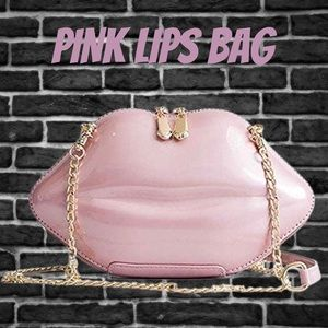Handbags - BRAND NEW PINK LIPS PURSE BAG